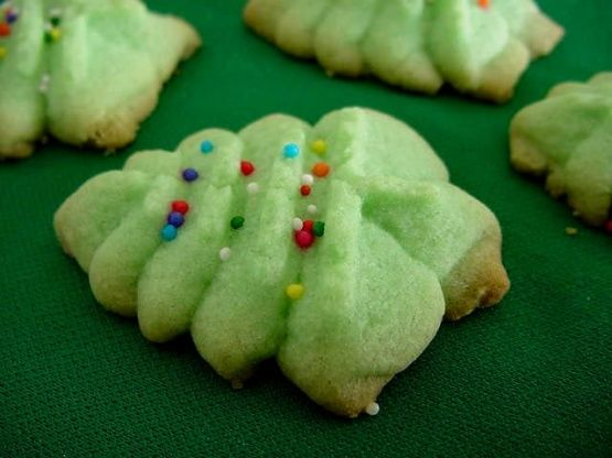 Almond-Infused Christmas Cookies