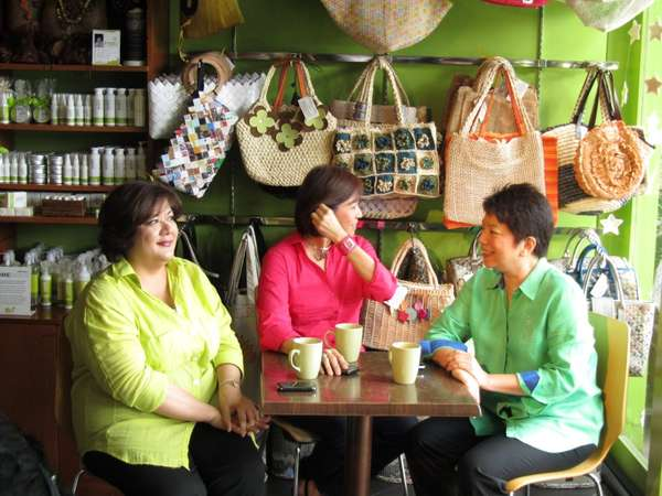 Trio-Aligned Sustainable Shops