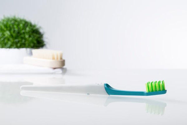 Bioplastic Teeth Cleaners