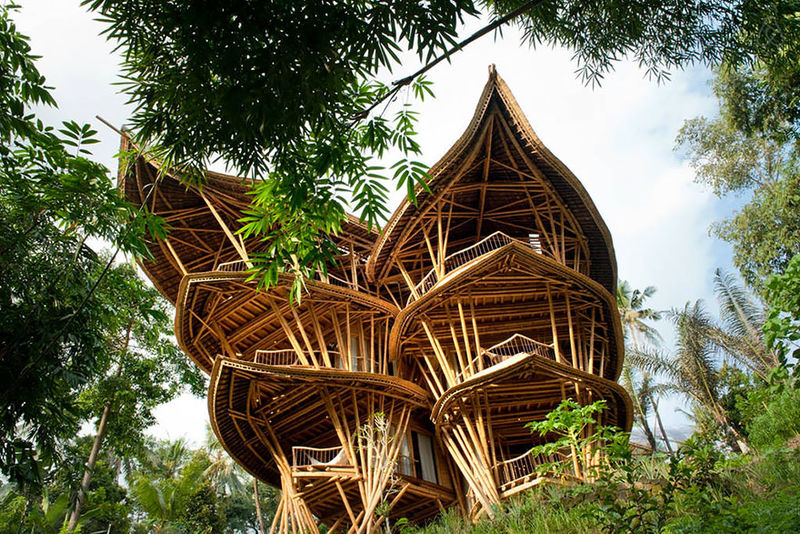 100 Examples of Eco-Friendly Architecture