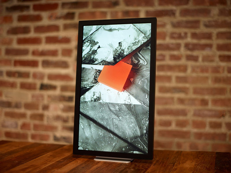 Internet-Streaming Photo Frames