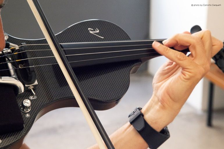App-Connected Electric Violins