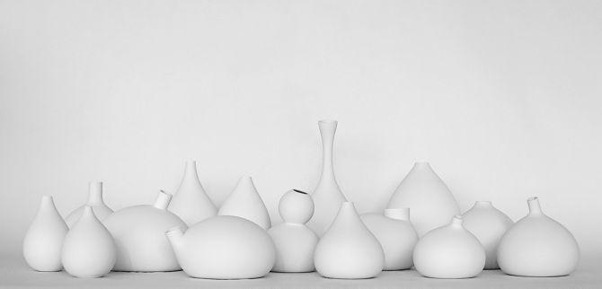 Balloon-Modeled Amphoras