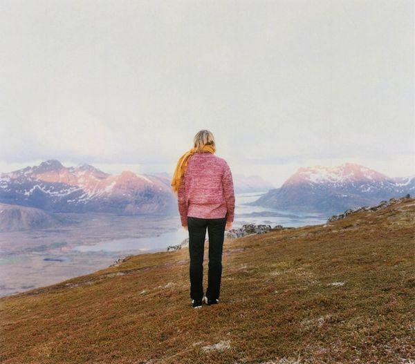 Solitary Self-Reflective Snapshots