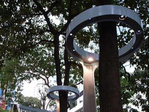 Tree-Encircling Lights