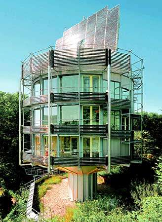 Environmentally Friendly Rotating House