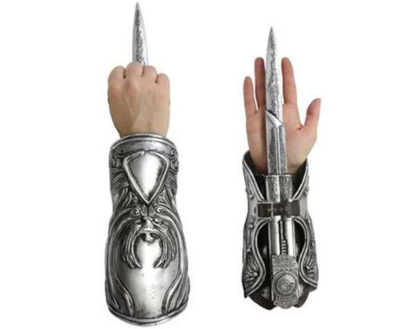 Ezio Auditore Role–Play Gauntlet Replica