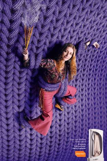 Oversized Knitted Walls