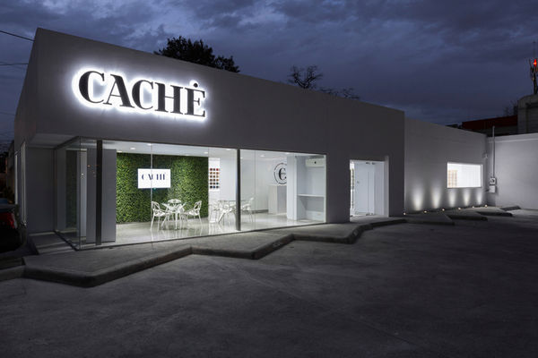 Tactile-Focused Showrooms