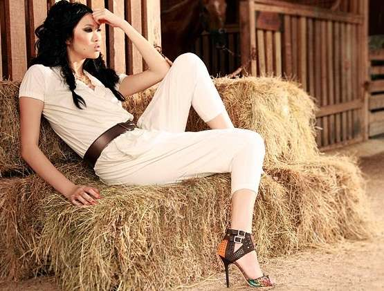 Feminine Magazine, Model Angie Ng, Farming Fashion