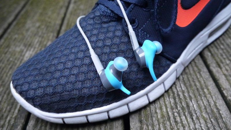 Workout-Tracking Headphones