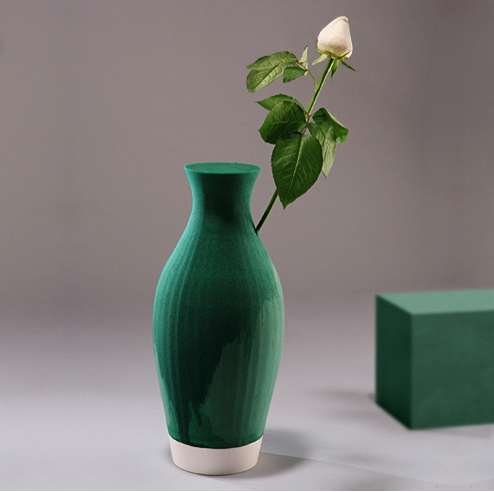 Automatic Florist Vases The Floral Foam Vase By Shay Shafranek Has A Delightful Design