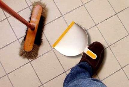 Foot-Dustpan