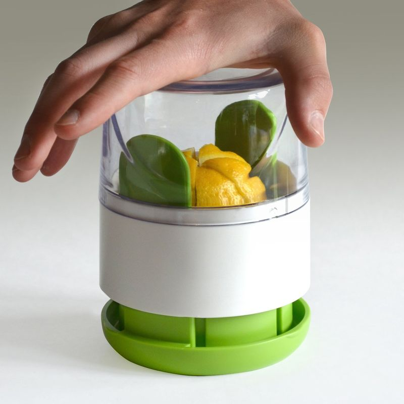 Mess-Free Fruit Cutters