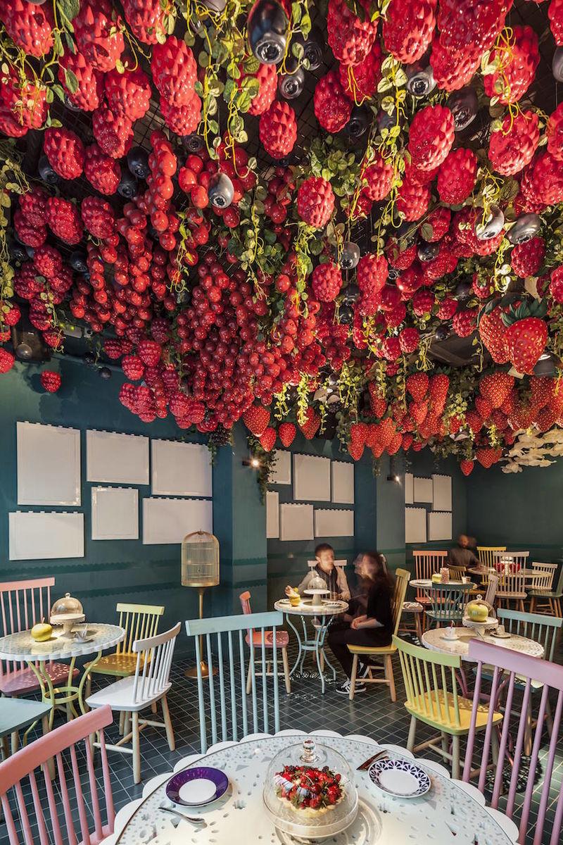 Fruit-Themed Dessert Restaurants