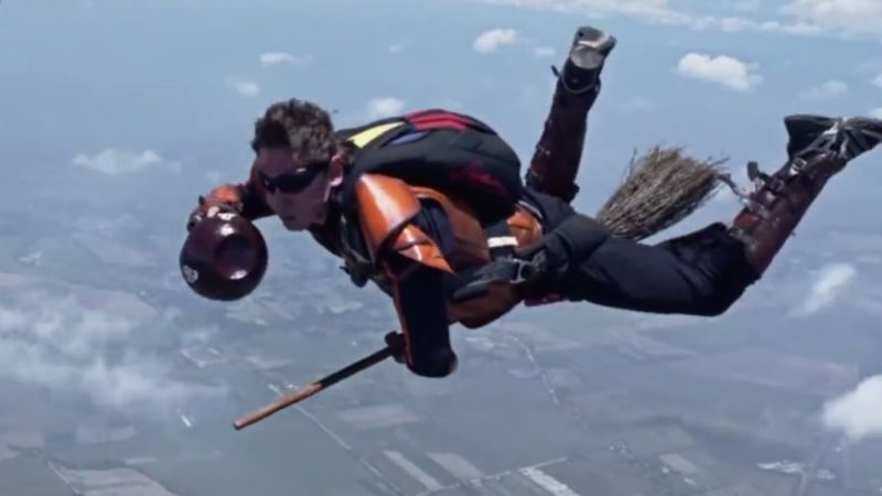 Skydiving Wizard Sports