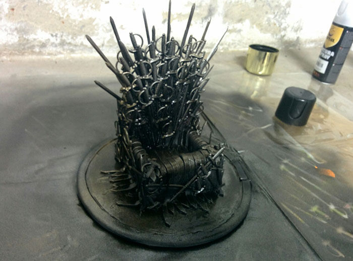 Fantasy Phone Thrones