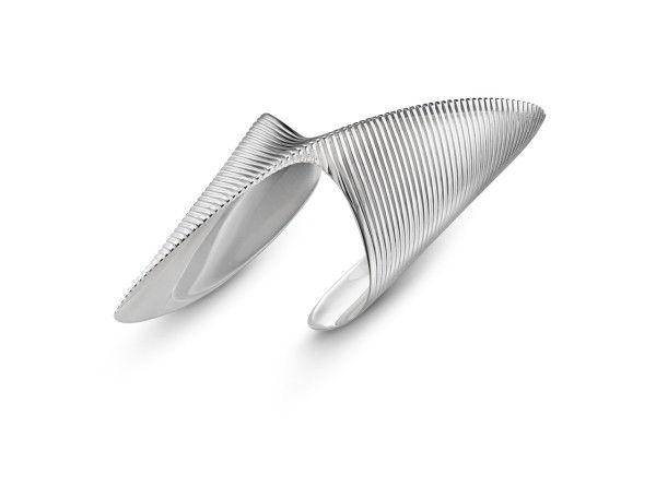 Futuristic Curvaceous Jewelry