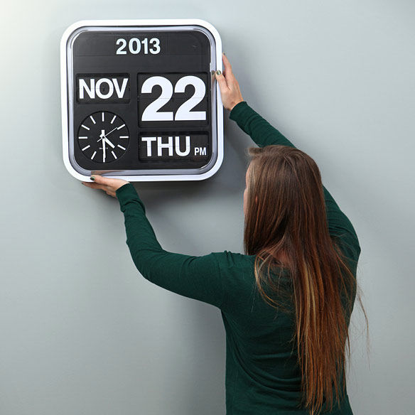 Oversized Flip Clocks