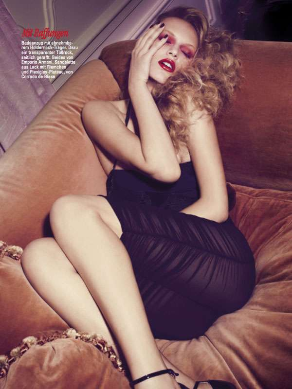 Glamour Germany August 2011