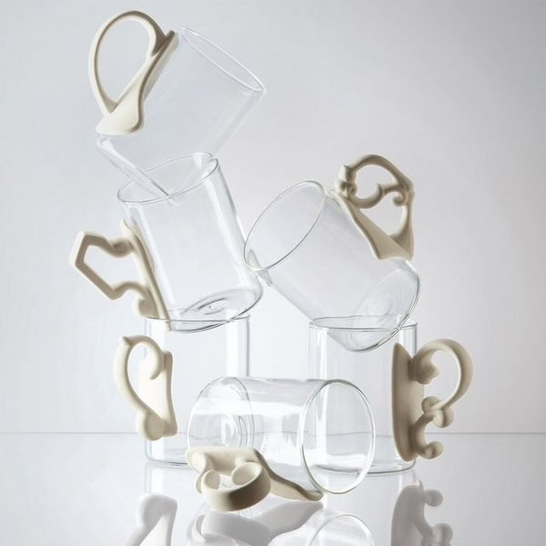 Glassy Porcelain Baroque Mugs