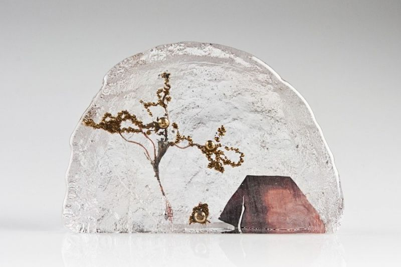 Ice-Like Dioramas