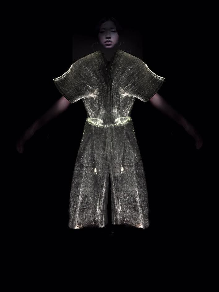 Responsive Glowing Clothes