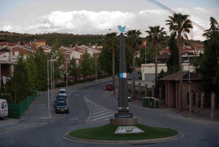 Social Media-Reliant Towns