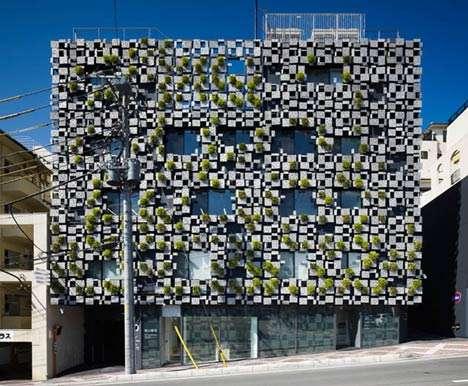 Planter-building Facades