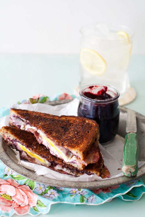 Fruity Bacon Sandwiches