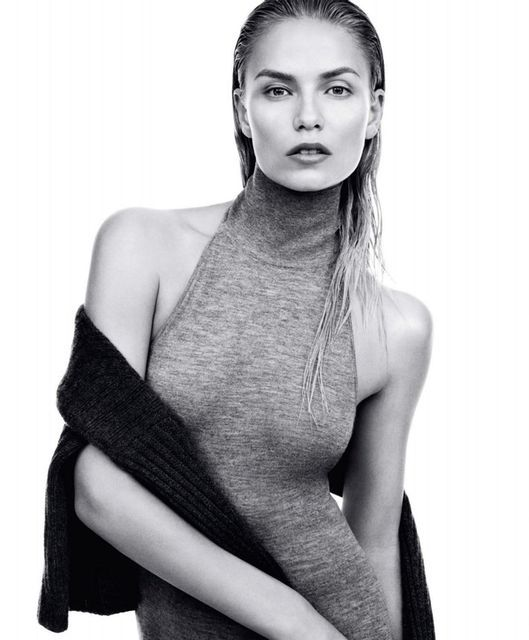 Glamorous All-Grey Editorials