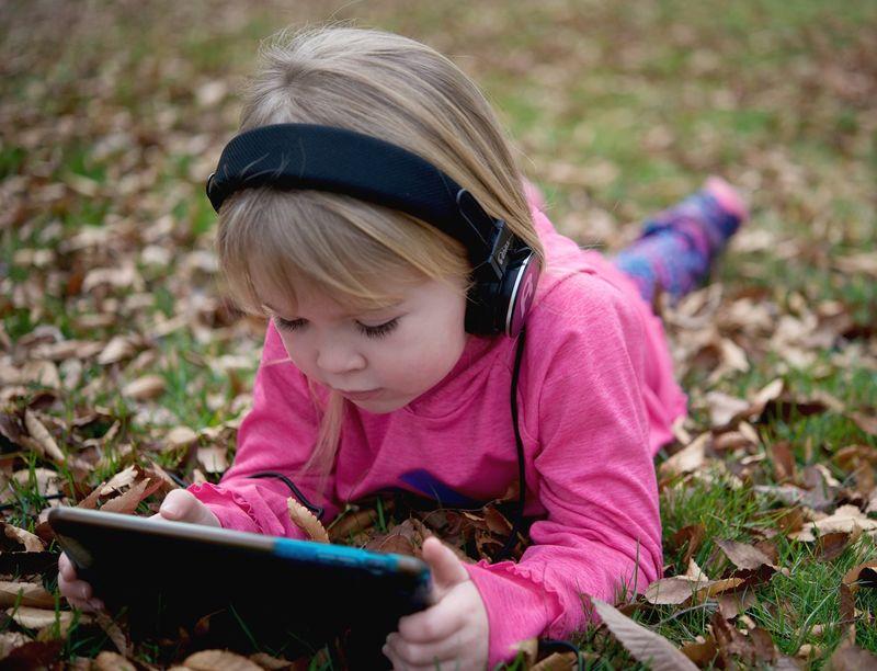 Volume-Limiting Juvenile Headphones