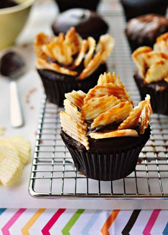 Chip-Crowned Cakes