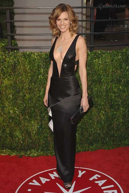 hilary swank red carpet gown
