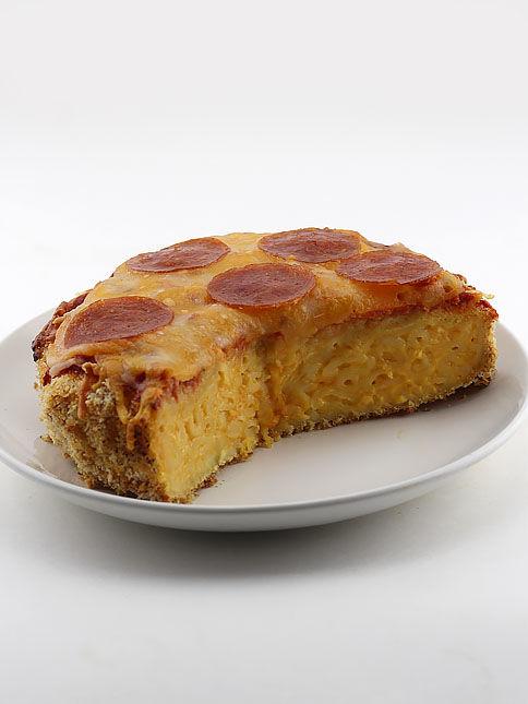 Cheesy Macaroni Pizza Crusts