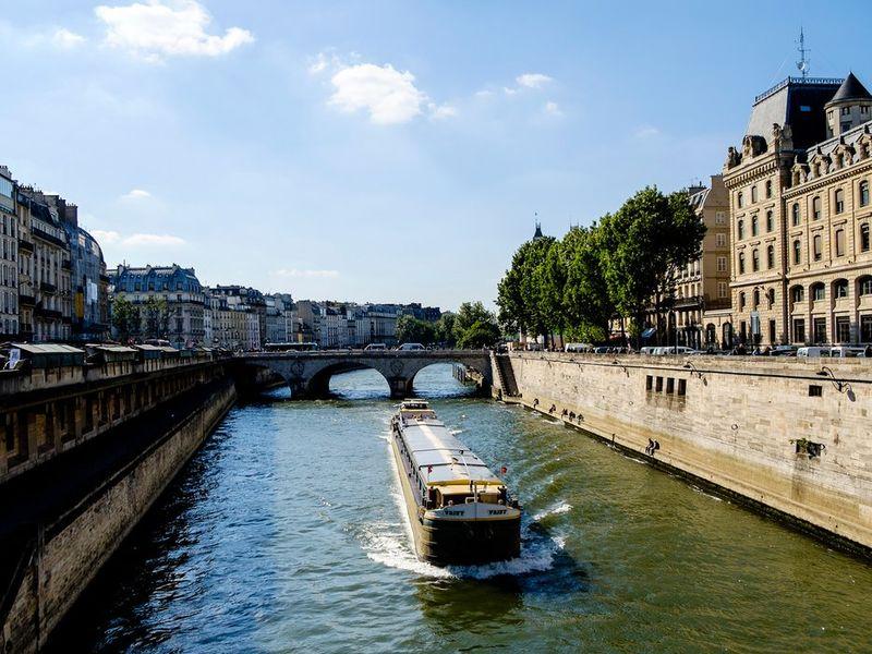 Parisian Floating Hotels