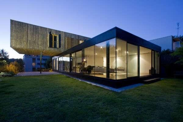 Minimalist Dual-Exterior Homes