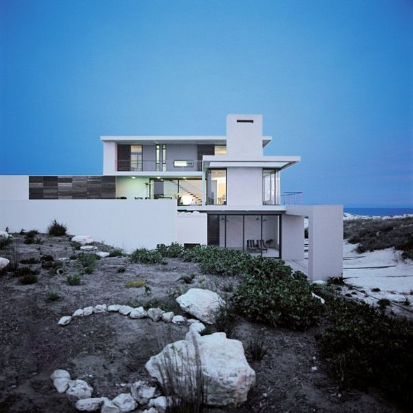 L-Shaped Architecture