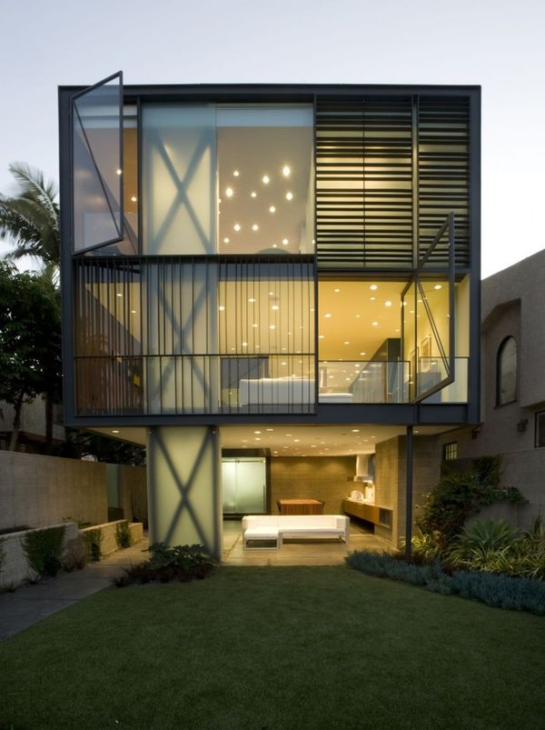 Sleek Suspended Architecture