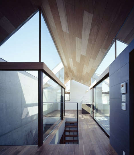Glass-Encompassing Abodes
