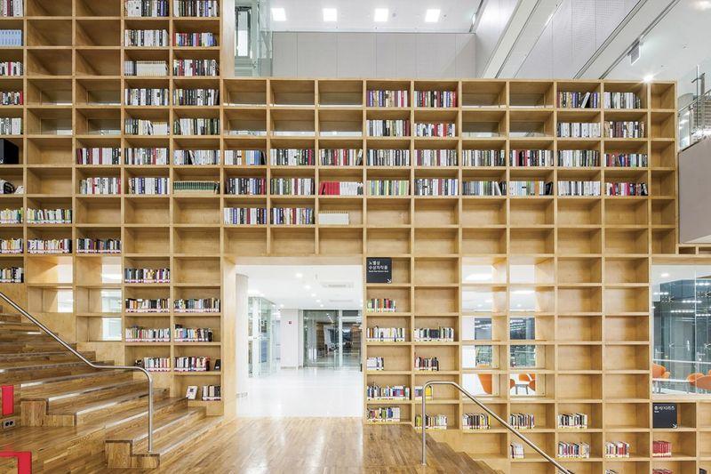 Slide-Embedded Library Designs
