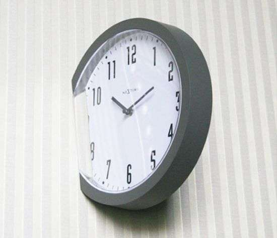 Protruding Time Pieces