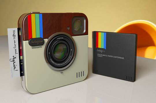 Social Network Photo-Sharing Devices