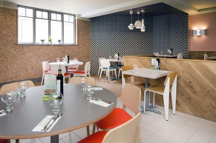 Casual mediterranean interiors italian restaurant interior