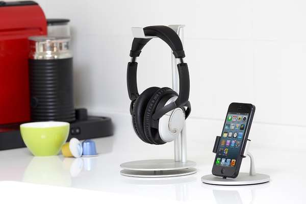 Sharply Structured Headphone Hangers