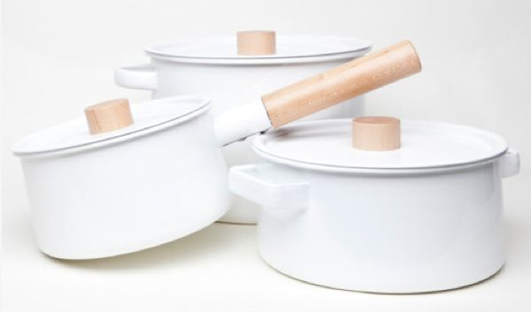 Timber-Integrated Saucepans