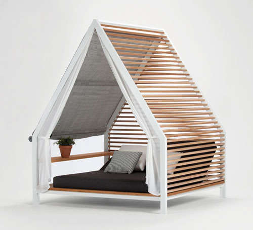 House-Shaped Lounge Bed