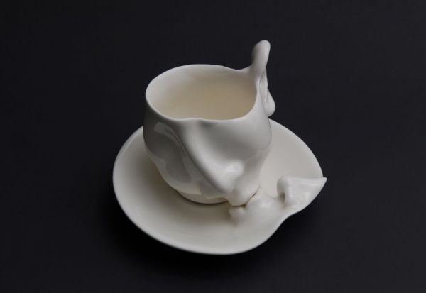 Kissing Tea Cups