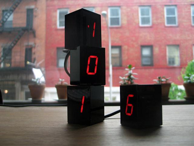 Stackable Digit Clocks