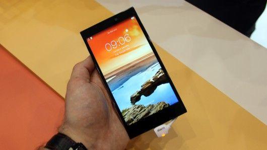 Slim Versatile Smartphones